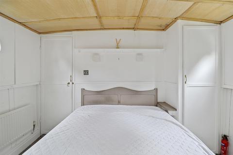 2 bedroom houseboat for sale - The Ham, Brentford