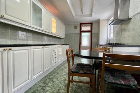 3 bedroom house to rent - Church Lane, London