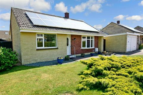 3 bedroom detached bungalow for sale - Yarborough Close, Godshill, Isle of Wight