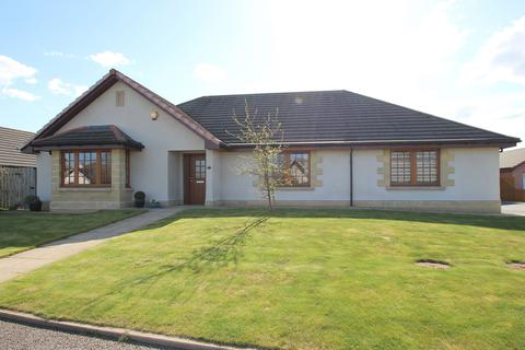 5 bedroom bungalow for sale - 19 Mansfield Park, KIRKHILL, IV5 7ND