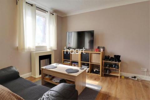 Studio to rent - Pheasant Close, Covingham