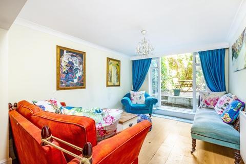 2 bedroom flat to rent - St Matthews Court Wandsworth Bridge Road SW6