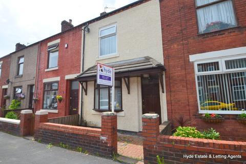 3 bedroom terraced house to rent - Oak Street, Leigh, WN7 4HJ
