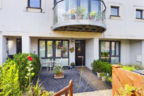 2 bedroom ground floor flat for sale - Haling Down Passage, South Croydon