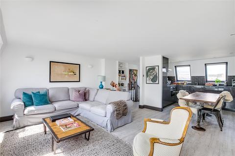 2 bedroom maisonette for sale - Tournay Road, Fulham, London