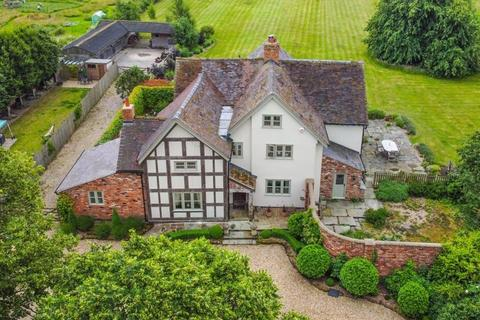 6 bedroom detached house for sale -