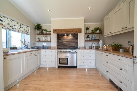 2 bedroom park home for sale - Emms Lane, Brooks Green, Horsham, West Sussex
