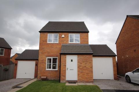 3 bedroom detached house for sale - LOWRY WAY, Kirkholt, Rochdale OL11 2BE
