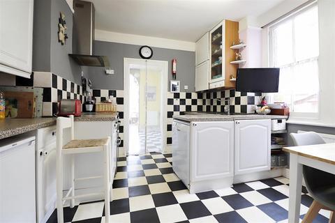 4 bedroom semi-detached house for sale - Pelham Road, Bexleyheath