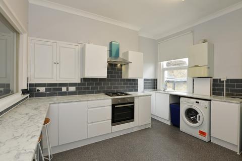 2 bedroom flat to rent - Chamberlayne Road, London, NW10