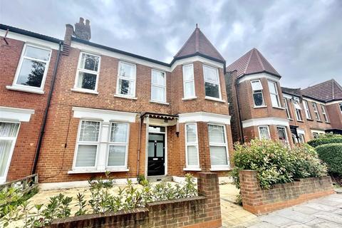 4 bedroom apartment to rent - Woodside Road, London, N22