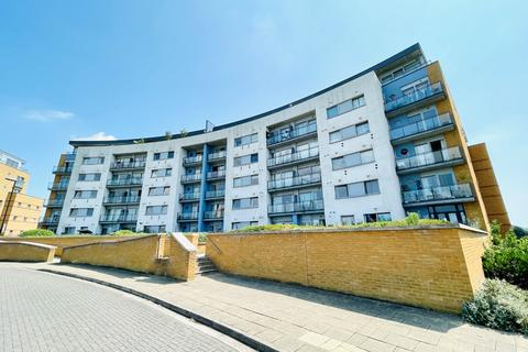 2 bedroom flat for sale - Tideslea Path, London, Greater London, SE28