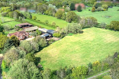 4 bedroom detached house for sale - Tomkyns Lane, Upminster, RM14