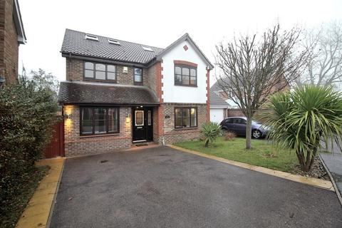 5 bedroom detached house for sale - Pavitt Meadow, Galleywood, CM2