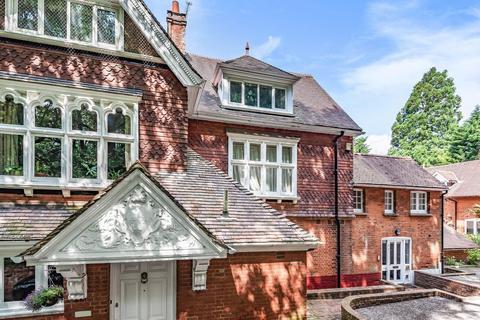 3 bedroom flat for sale - Manor Park, Chislehurst