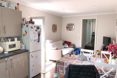 2 bedroom flat to rent - Parkhurst Road, London, N22