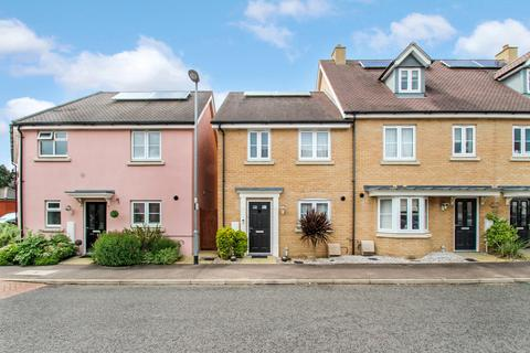 2 bedroom semi-detached house for sale - Emberson Croft, Chelmsford