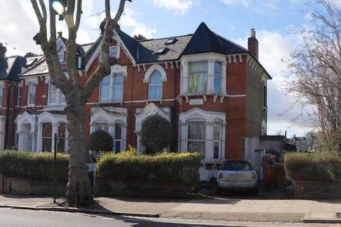 6 bedroom end of terrace house for sale - Ferme Park Raod , Stroud Green