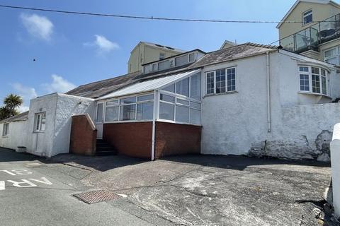 4 bedroom semi-detached house for sale - Trearddur Bay, Anglesey
