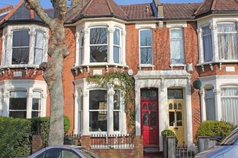 3 bedroom terraced house to rent - E17