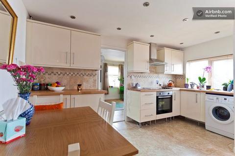 2 bedroom apartment to rent - 47 St Luke's Road