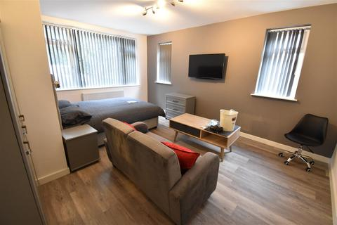 6 bedroom house to rent - Flat F, St. Martins Road, Coventry