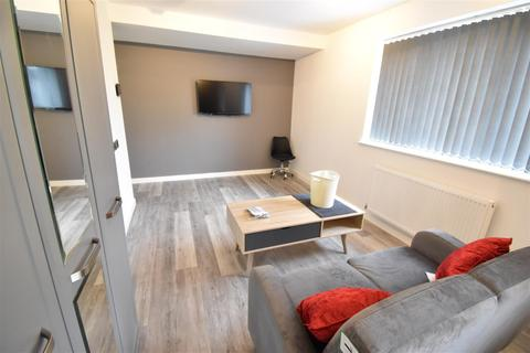 6 bedroom house to rent - Flat C, St. Martins Road, Coventry