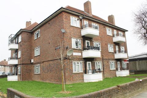 1 bedroom house for sale - Longbridge Road, Dagenham