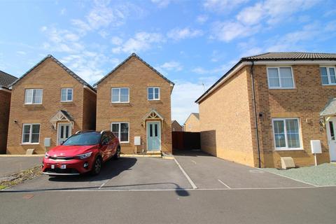3 bedroom detached house for sale - Heol Tredwr, Waterton, Bridgend