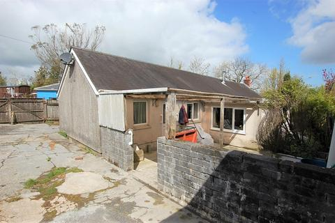 2 bedroom detached bungalow for sale - Cwmbach CARMARTHENSHIRE