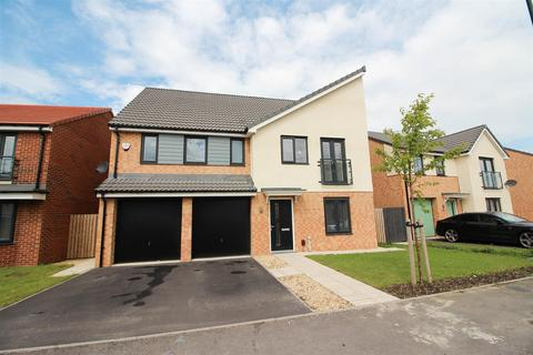 5 bedroom detached house for sale - Cornmill Crescent, Holystone, Newcastle Upon Tyne