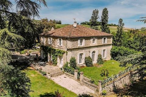 9 bedroom farm house - 32100 Condom, Gers, Midi Pyrenees, France
