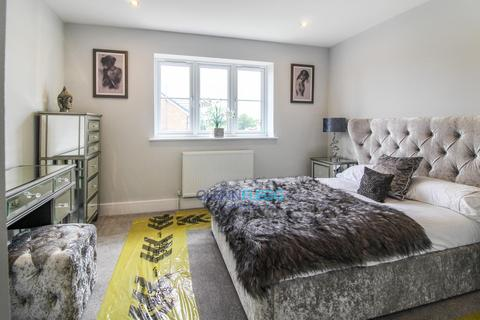 2 bedroom semi-detached house for sale - 0.5 Miles From Slough Train Station  * £5,000 Stamp Duty Contribution From Developer *