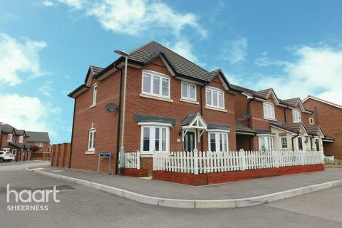 4 bedroom detached house for sale - Larch End, Sheerness