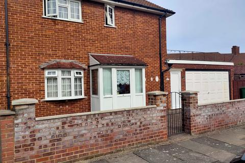 3 bedroom semi-detached house to rent - The Knole, Coldharbour Estate, SE9
