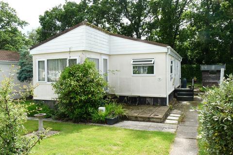 2 bedroom park home for sale - Edenbridge outskirts