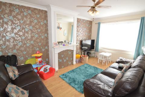 3 bedroom terraced house to rent - Gilbert Road,  Belvedere, DA17
