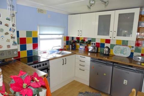 2 bedroom detached bungalow for sale - Eastern Avenue, Chertsey, KT16