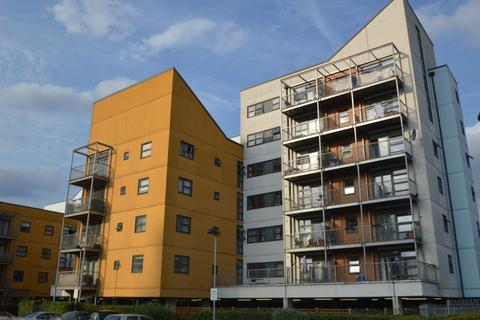 2 bedroom flat to rent - Maltings Close, Bow E3