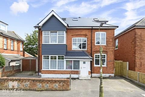 7 bedroom detached house for sale - Windermere Road, Charminster, BH3
