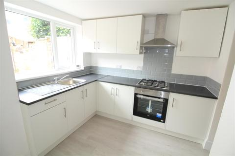 5 bedroom terraced house to rent - Birrell Road, Forest Fields, Nottingham