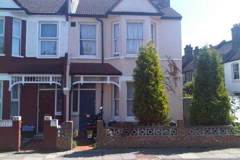 3 bedroom detached house to rent - Boscombe Road, SW17
