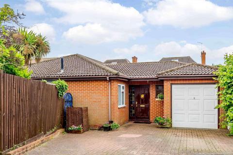 3 bedroom detached bungalow for sale - Jericho Place, Blackmore, Ingatestone