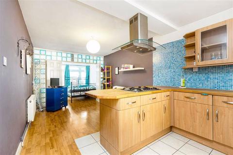 1 bedroom flat to rent - Shuttleworth Road, Battersea, London, SW11