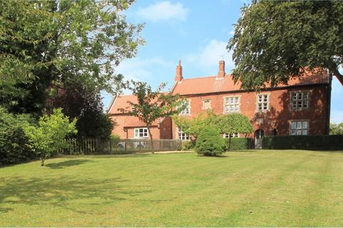 2 bedroom cottage to rent - High Road, Manthorpe, NG31