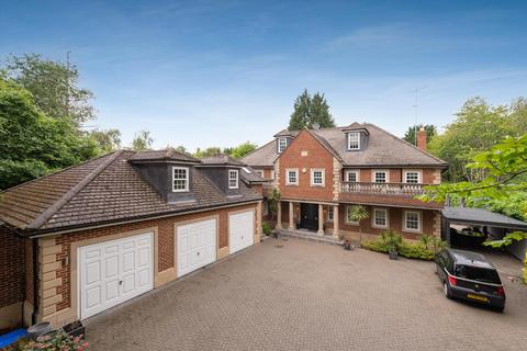 6 bedroom detached house to rent - Heath Rise, Virginia Water, Surrey, GU25