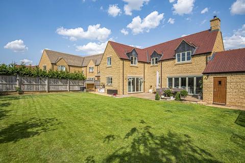 5 bedroom detached house for sale - Top Farm, Kemble GL7 6FA