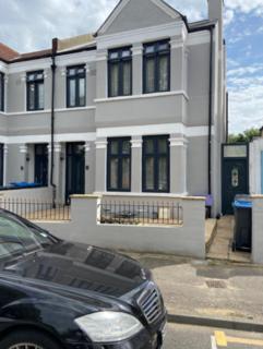 6 bedroom terraced house to rent - Norfolk Road, London