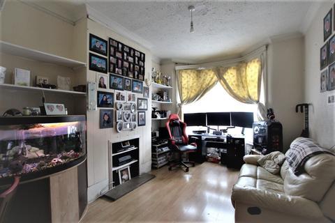 3 bedroom house for sale - Sherringham Avenue, London, N17
