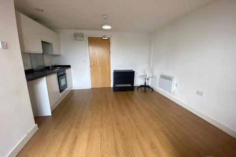 Studio to rent - Large studio, Norfolk House, 42 Simpson Street, L1 0AZ